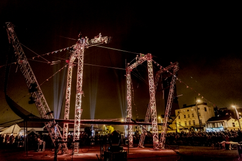 Derby Feste Gorilla Circus Will Bring Two-tonnes of steel rigging and a head for heights!