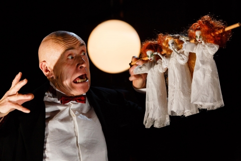 Live & Local present Dracula by Rabbit Theatre